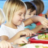 Cum sa preparam celor mici un mic dejun hranitor si gustos
